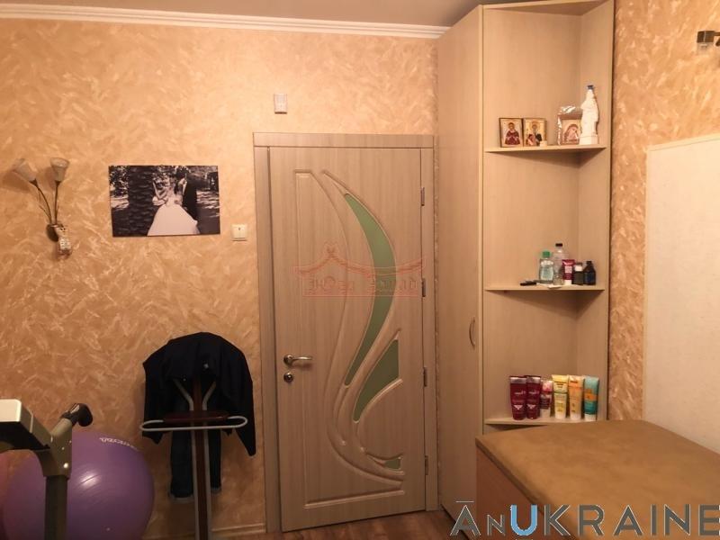 продажа трехкомнатной квартиры номер A-96166 в Суворовском районе, фото номер 8